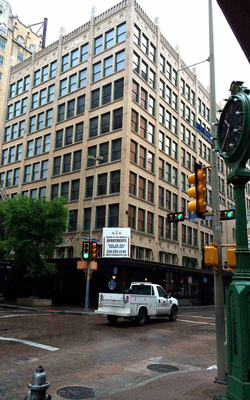 Downtown San Antonio Apartments - Towers at the Majestic ...